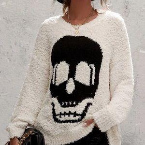 Skull fuzzy sweater